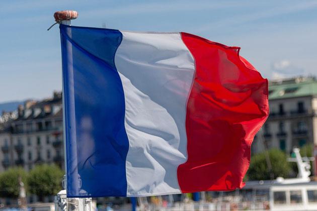 A Embaixada de França em Portugal disponibiliza alguns serviços e informações úteis, sobretudo para os franceses que ponderam viver em Portugal.
